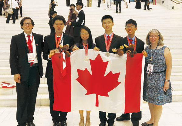 Canadians shine at Chemistry Olympiad
