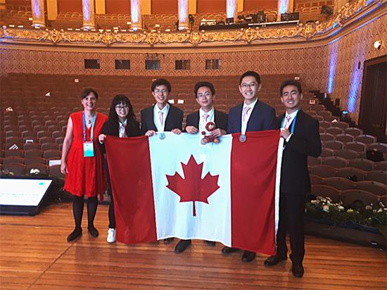 Jenny Pitt Lainsbury (mentor), Judy Xia, Sean Wang, Aaron Dou, Run Lin Wang, Philip Sohn (head mentor)