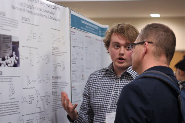 A total of 32 students presented their research during the poster session, in addition to 103 oral presentations.